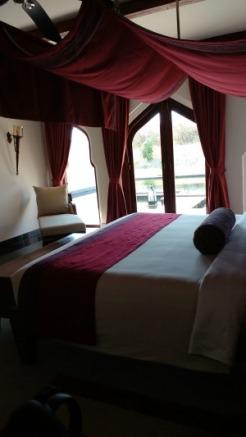 Orange county resort, Jal Mahal, bedroom